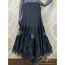 《BY TERRY佳衯自創》三層蕾絲蛋糕半身裙
